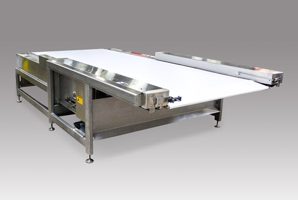 Retracting Conveyor for the Food Industry